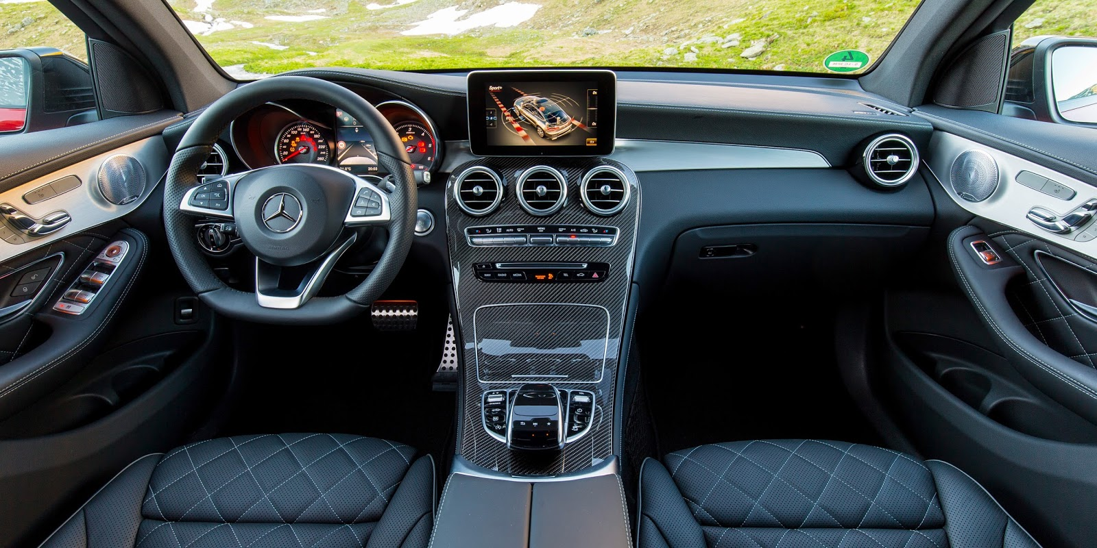mercedes-benz-glc-coupe-2017-33